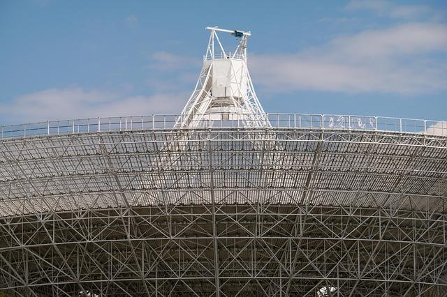 Střední radioteleskop