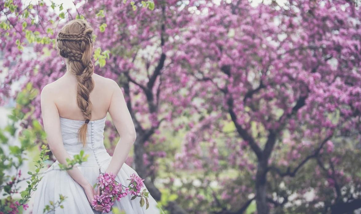 nevěsta a stromy