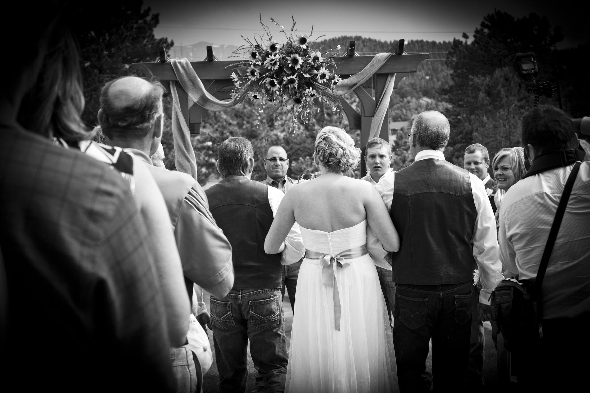 nevěsta u oltáře
